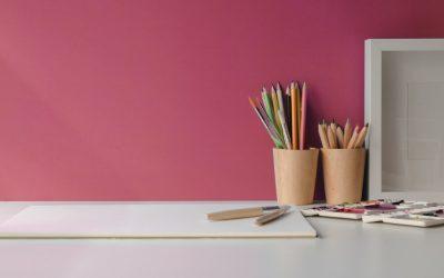 Giv dit hjem liv og farver med budgetvenligt tapet