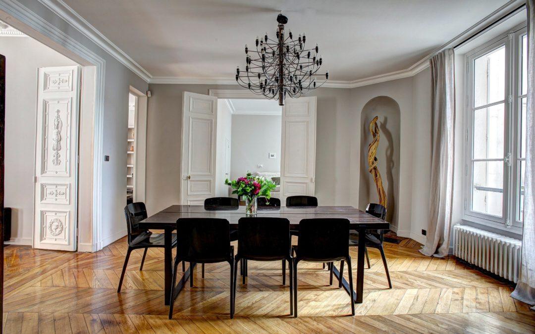 Fritz Hansen-møbler i spisestuen