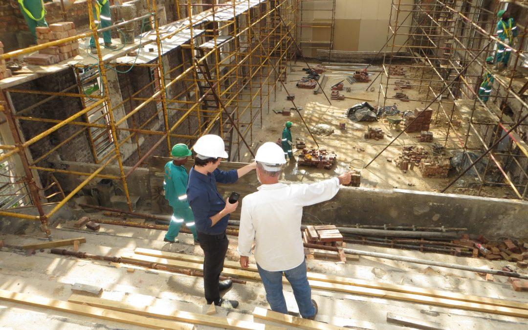 Få en byggerådgiver med på sidelinjen til virksomhedens byggeprojekt